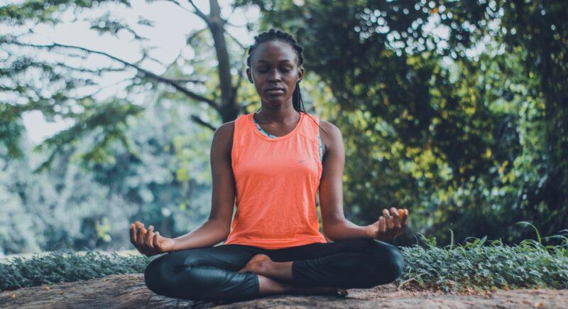 सांस से जुड़े व्यायाम करने से शरीर को राहत मिलती है