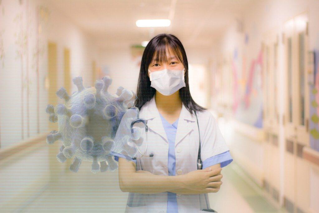 पहले की तुलना में अब कोरोना से संक्रमित लोग काफी तेजी से ठीक हो रहे हैं।