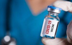 वैक्सीन की दोनों डोज लेने के बाद भी कम एंटीबॉडी बनने से इस आयु वर्ग के लोगो को संक्रमित होने का अधिक खतरा